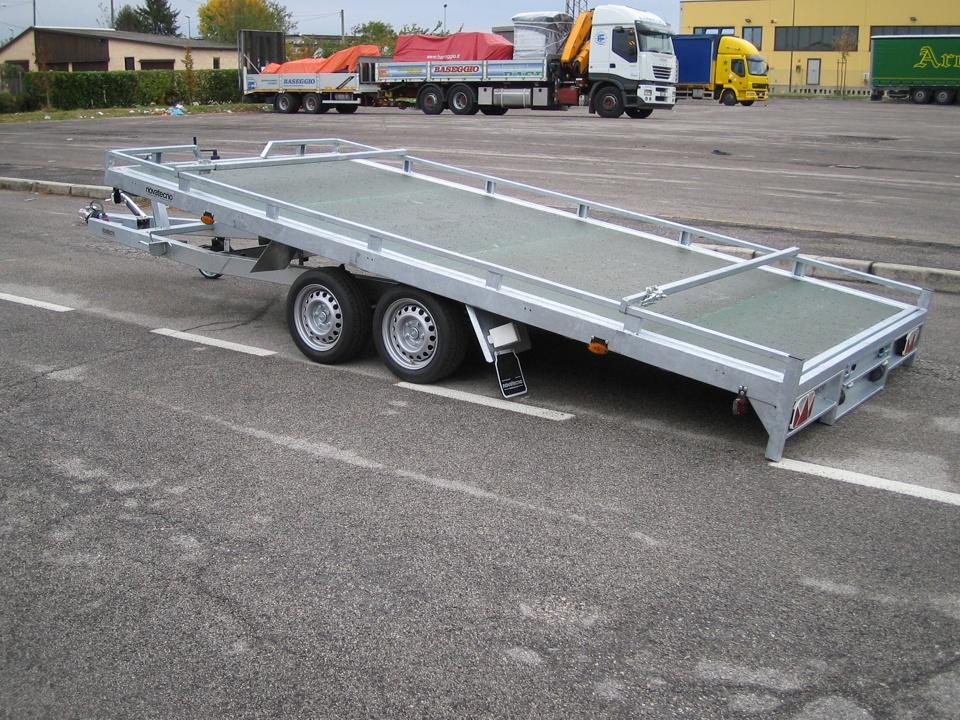 Carrelli trasporto cose usati id es de design d 39 int rieur for Bertuola rimorchi
